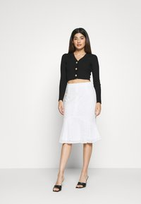 Missguided Petite - BRODERIE FRILL MIDI SKIRT - A-Linien-Rock - white - 1