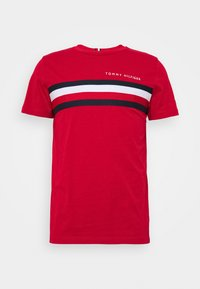 Tommy Hilfiger - GLOBAL STRIPE TEE - T-shirt z nadrukiem - red - 4