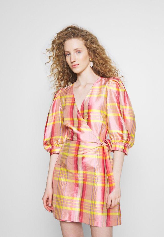 CLAIRE WRAP DRESS - Vapaa-ajan mekko - multi colour