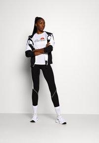 Ellesse - DELLE - Print T-shirt - white - 1