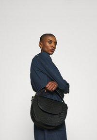 Desigual - VEST CASTIEL - Vestito di jeans - denim medium - 4