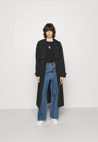 Calvin Klein Jeans - URBAN LOGO TEE - Printtipaita - black - 1