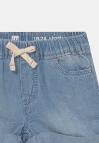 GAP - TODDLER GIRL - Denim shorts - light wash - 2