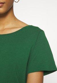Vila - VISUS  - T-shirt con stampa - eden - 5