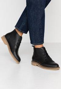 HUB - TOMAR - Kotníková obuv - black - 0
