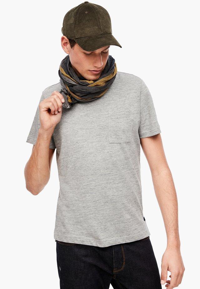 Scarf - dark grey stripes