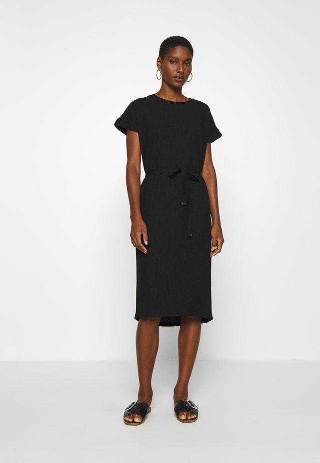 BEATHE DRESS - Strikket kjole - black