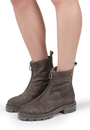 Classic ankle boots - shadow
