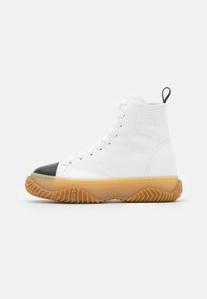 Sneakersy wysokie - white