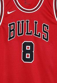 Nike Performance - NBA CHICAGO BULLS ZACH LAVINE ICON SWINGMAN - Klubové oblečení - red - 4