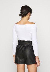 Glamorous Petite - BARDOT BUTTON BODY - Long sleeved top - white - 2