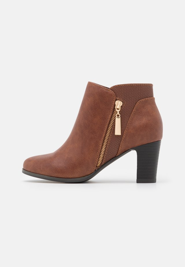ARLA - Ankle boots - tan