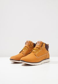 Timberland - KILLINGTON CHUKKA - Bottines à lacets - wheat - 3