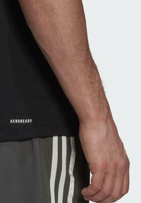adidas Performance - AEROREADY DESIGNED 2 MOVE SPORT T-SHIRT - T-shirts med print - black - 4