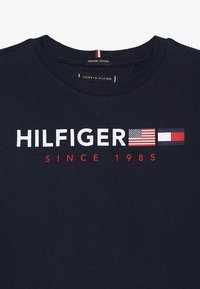 Tommy Hilfiger - FLAGS GRAPHIC TEE  - Longsleeve - blue - 4