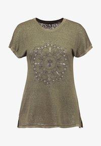 ONLRILEY PEARL BOX - Print T-shirt - kalamata/mandala