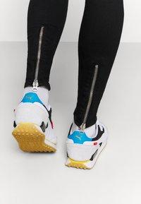 Gabba - ZIP DESTROY  - Jeans Skinny Fit - blak denim - 3