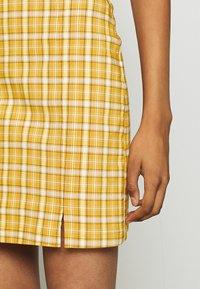 Topshop - BENG CHECK - Minisukně - mustard yellow - 4