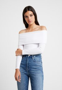 Good American - FOLD OVER OFF SHOULDER - T-shirt à manches longues - white - 0