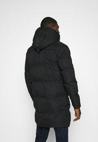Alessandro Zavetti - ZAVETTI CANADA SALVINO LONGLINE PUFFER - Winter coat - black - 2