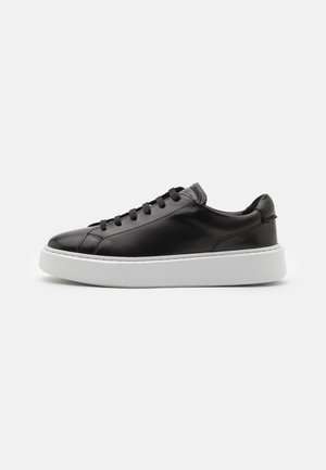 HERO LITE LACE - Sneakers laag - black