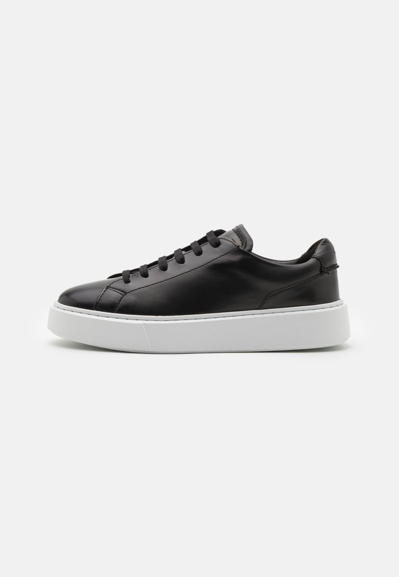 Clarks - HERO LITE LACE - Trainers - black