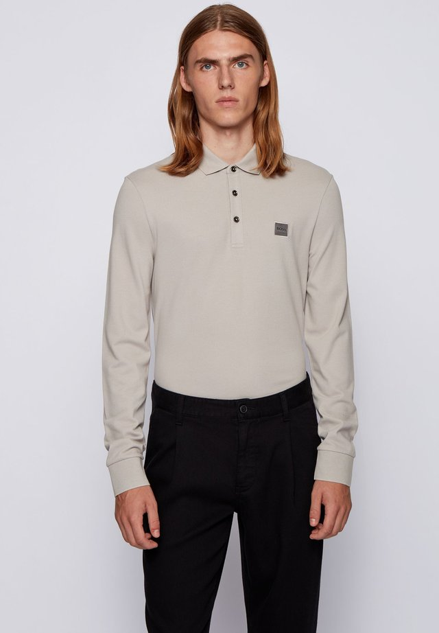 PASSERBY - Polo shirt - open grey