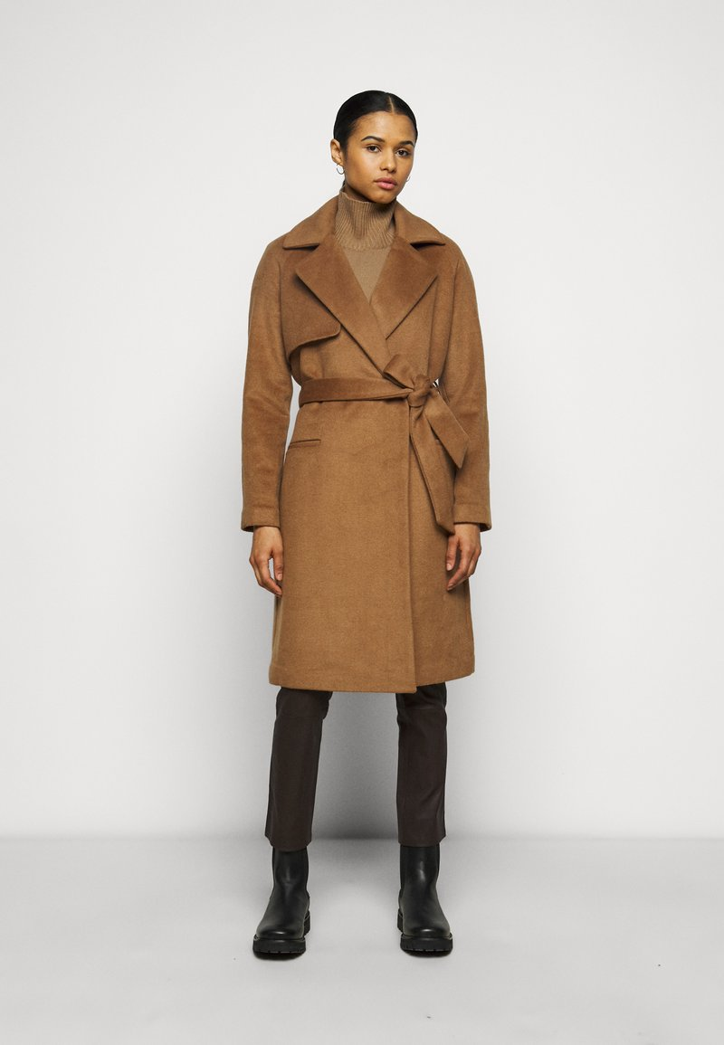 2nd Day - Classic coat - golden camel