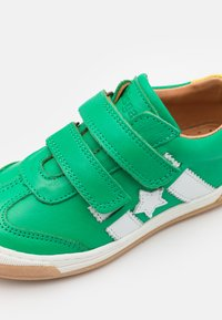 Bisgaard - JOHAN - Touch-strap shoes - green - 5