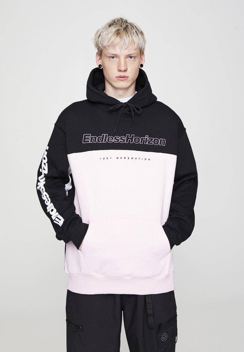 PULL&BEAR - MIT SLOGAN - Hoodie - mottled pink
