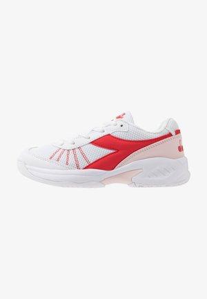 S. CHALLENGE 3 JR UNISEX - Tenisové boty na všechny povrchy - white/lively hibiscus red