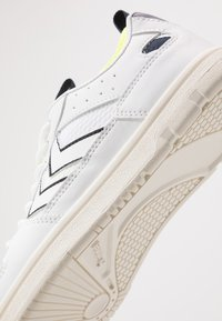 Hummel - POWER PLAY MID  - Trainers - white/safety yellow - 2