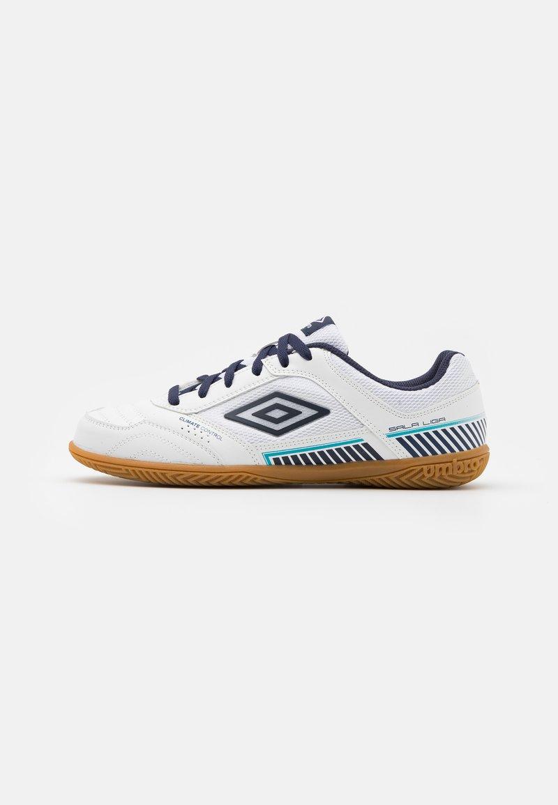 Umbro - SALA II LIGA - Indoor football boots - white/peacoat/capri breeze