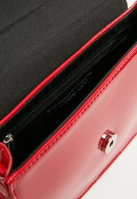 Even&Odd - Clutches - red - 5