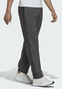 adidas Performance - AEROREADY SAMSON - Pantaloni sportivi - grey - 2
