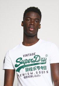 Superdry - TEE - Print T-shirt - white - 4