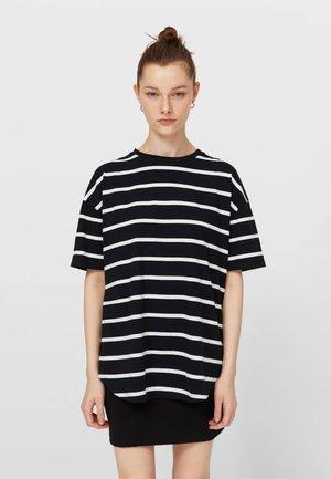 MIT STREIFEN - Print T-shirt - black
