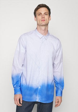 CLASSIC FADED DESTROYED SHIRT - Overhemd - light blue