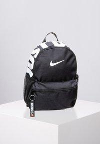 Nike Sportswear - BRASILIA UNISEX - Rucksack - black / white - 0