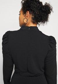 Vero Moda Curve - VMJAYDA SHORT DRESS BOO - Pouzdrové šaty - black - 5