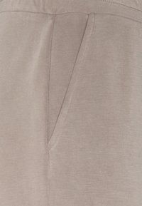 Pieces - PCLISE WIDE PANT LOUNGE - Tracksuit bottoms - cinder - 2