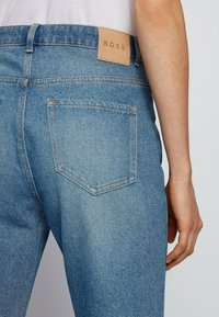 BOSS - Flared Jeans - blue - 3