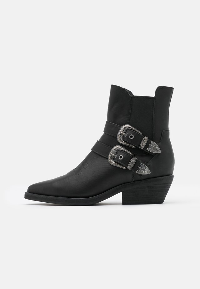 BUCKLE BOOT - Cowboy/biker ankle boot - black