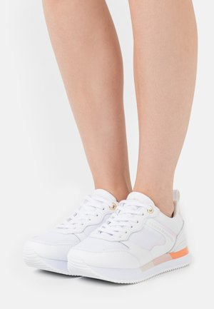FEMININE ACTIVE CITY  - Sneakers basse - light pink