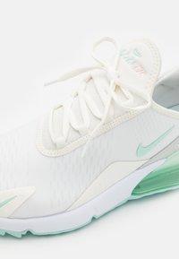 Nike Golf - AIR MAX 270 G - Chaussures de golf - sail/light dew/crimson tint/photon dust - 5