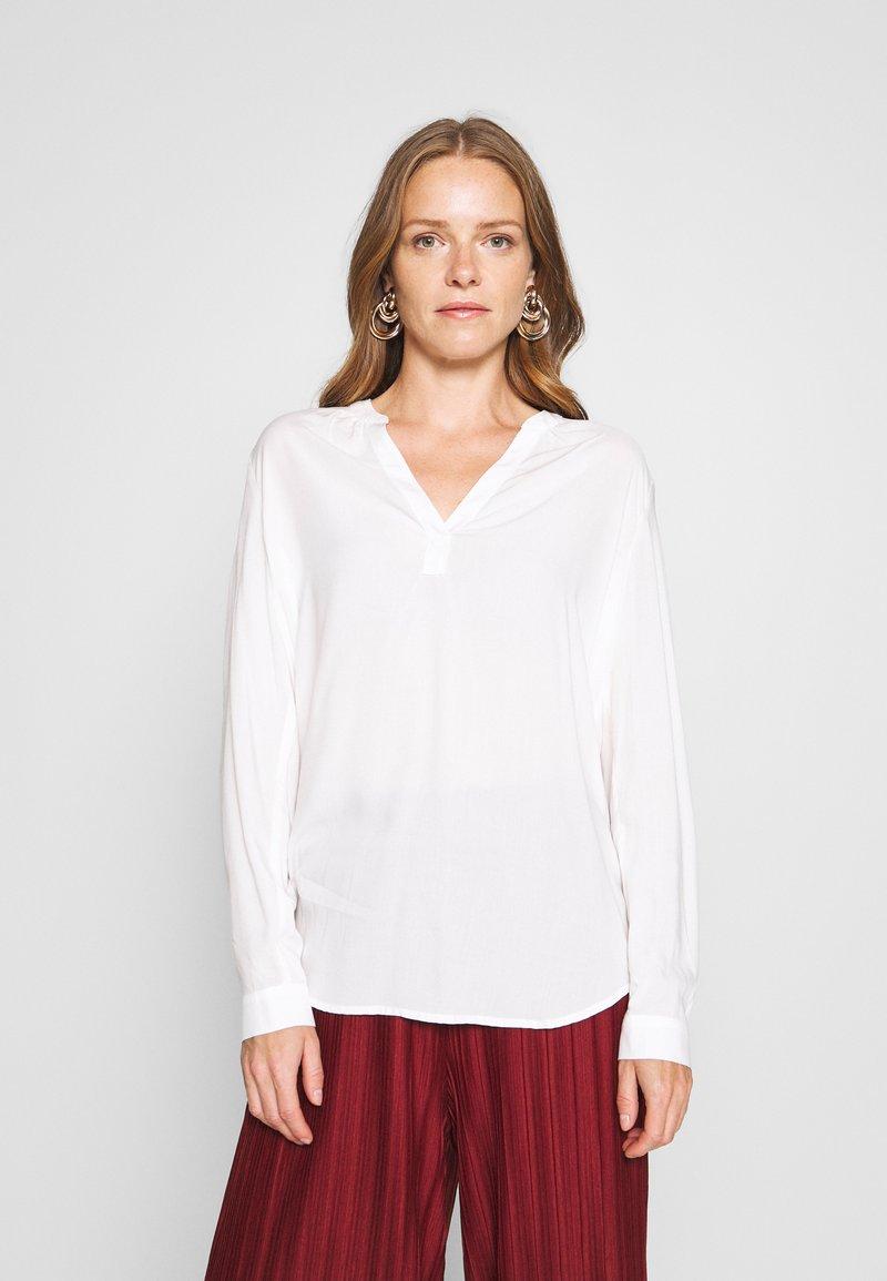 Esprit - CORE FLUID  - Bluser - off white