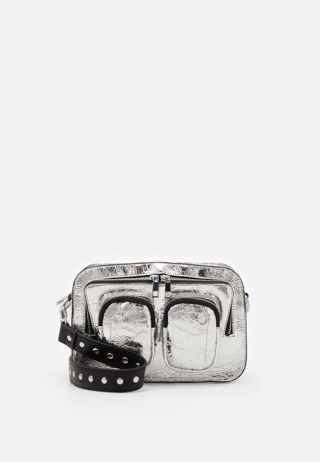 ELLIE COOLING - Taška spříčným popruhem - silver