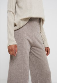 pure cashmere - LOOSE FIT PANTS - Trousers - beige - 4