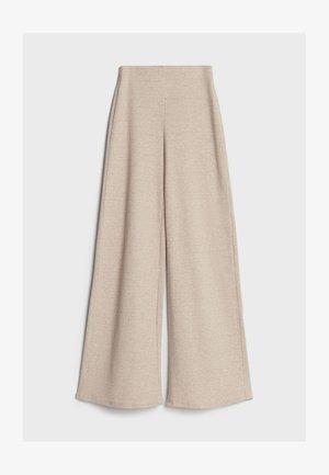 MIT WEITEM BEIN  - Spodnie materiałowe - beige