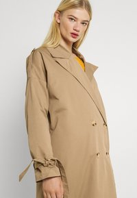 Missguided - TIE SLEEVE DOUBLE BREASTED  - Trenchcoat - camel - 3